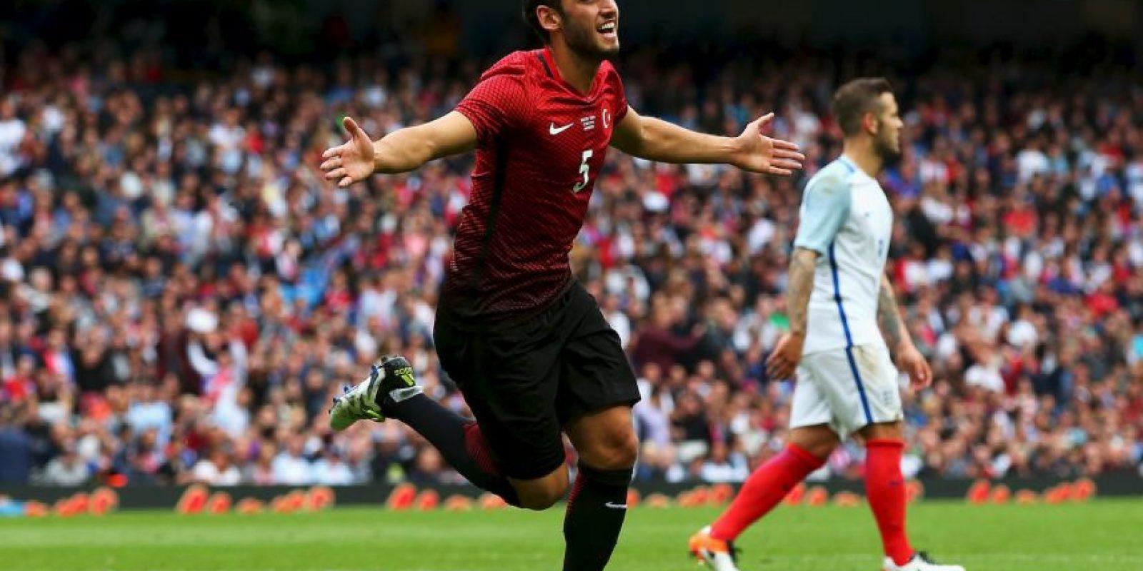 A sus 22 años, el turco ya no es una promesa y parece ser un jugador consolidado. Con un puesto ganado en Bayer Leverkusen y los tres goles convertidos, el delantero tendrá que demostrar en la Eurocopa la experiencia que ha sumado con las Aspirinas. Foto:Getty Images