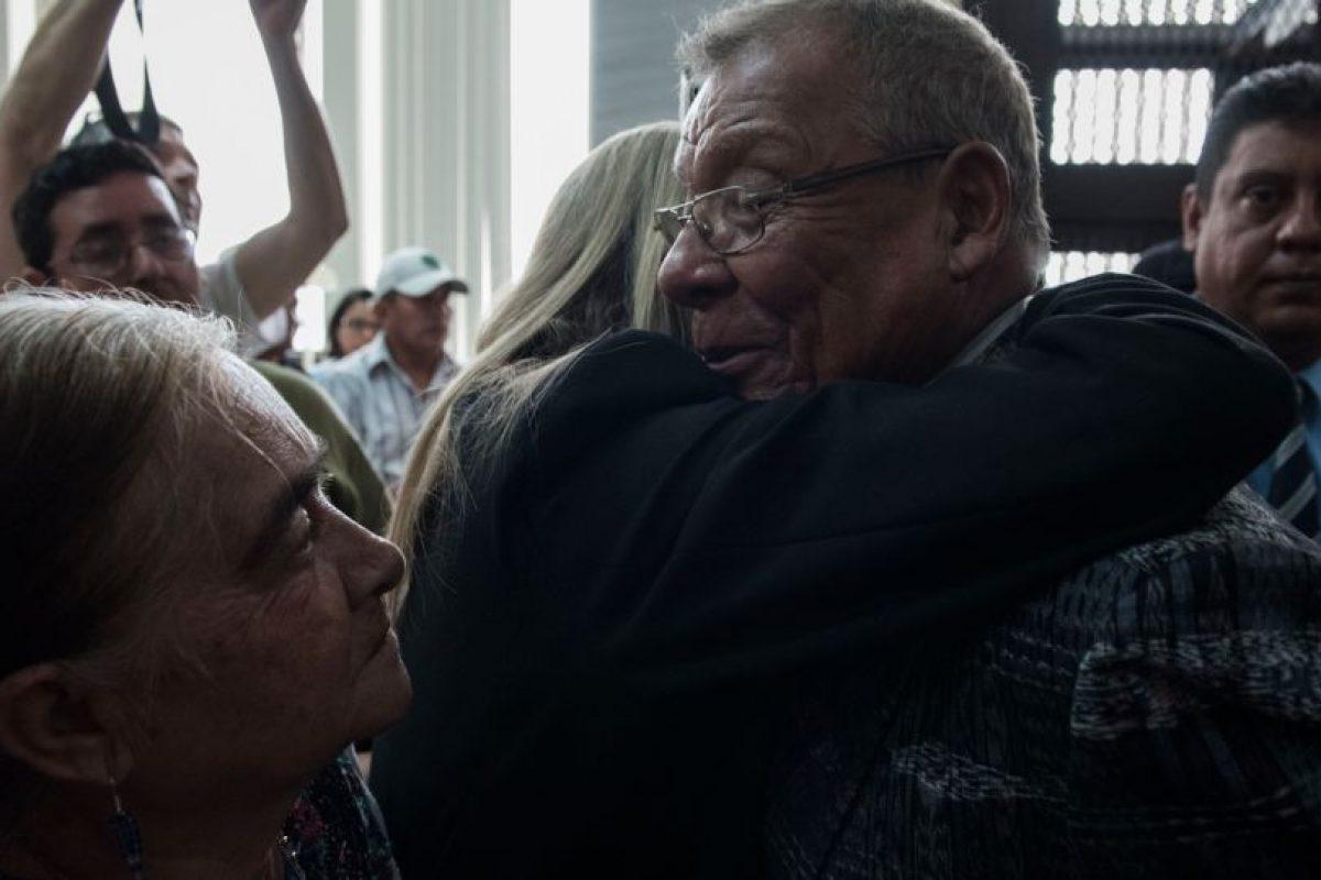 Lucas García es consolado. Foto:Oliver de Ros