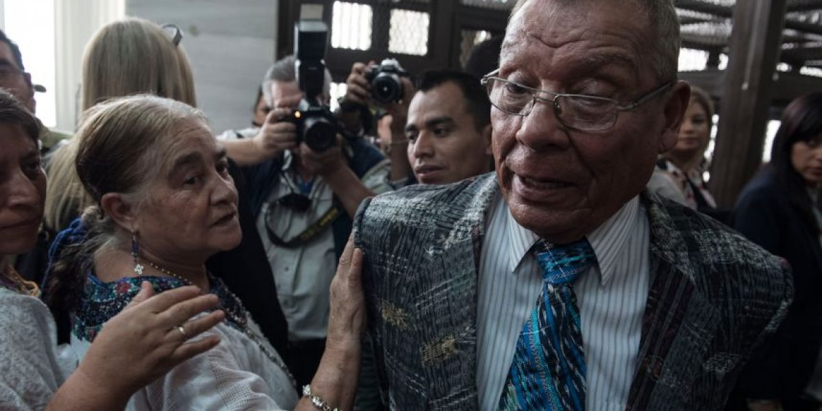 """Exgeneral Manuel Benedicto Lucas: """"Me tienen preso políticamente"""""""