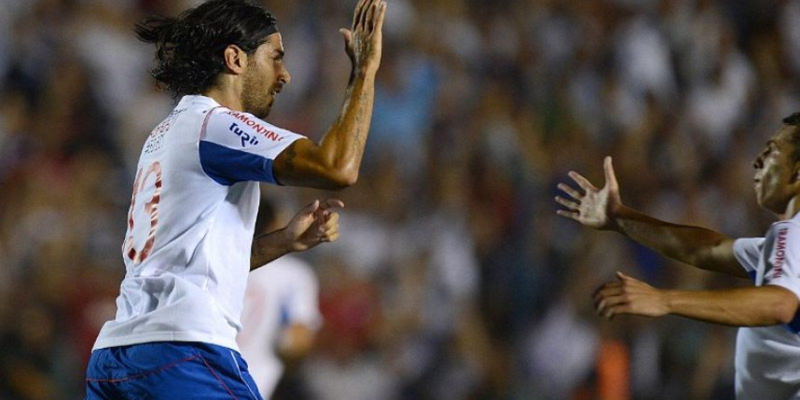 Los medios en Uruguay hablan este miércoles de la posibilidad de que Abreu juegue en Guatemala. Foto:AFP