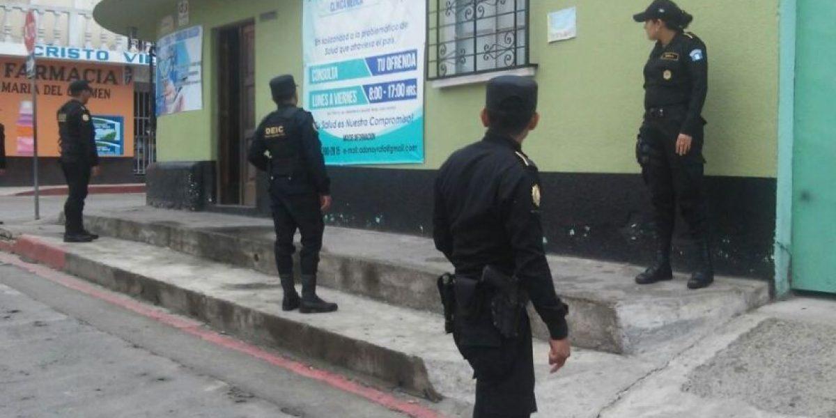 Médico impostor recetaba a pacientes en San Lucas Sacatepéquez