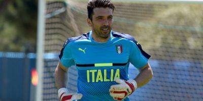 Gianluigi Buffon es uno de los mayores emblemas del fútbol italiano Foto:Getty Images