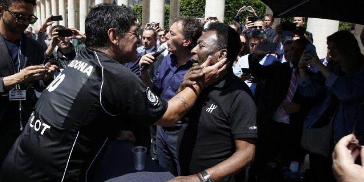VIDEO. ¿Pelé y Maradona hacen las paces en Paris?