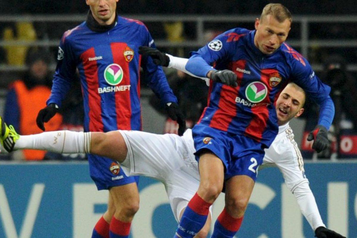 Los gemelos Berezutski, Vasili y Aleksei, compartirán selección en Rusia Foto:AFP