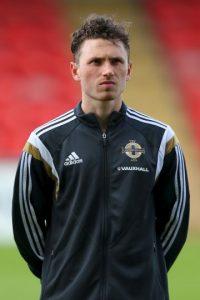 Corry Evans buscará sorprender junto a su hermano Jonny con Irlanda del Norte Foto:Getty Images