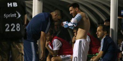 La presencia de Messi fue clave para la albiceleste que triunfó en forma contundente. Foto:AFP