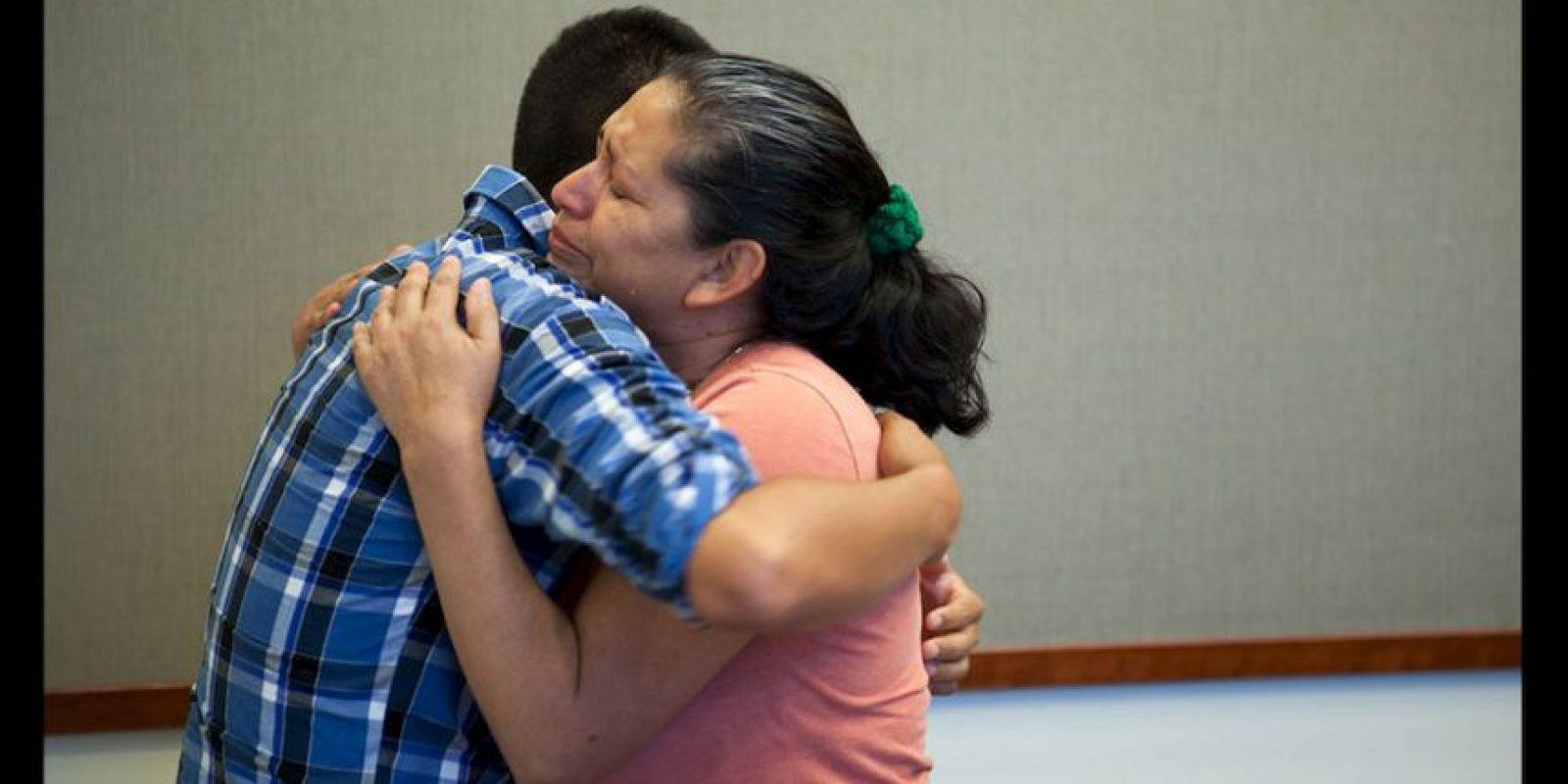 Durante 20 años su madre María Mancia lo buscó incansablemnte. Foto:Oficina del Fiscal de Distrito del Condado de San Bernardino