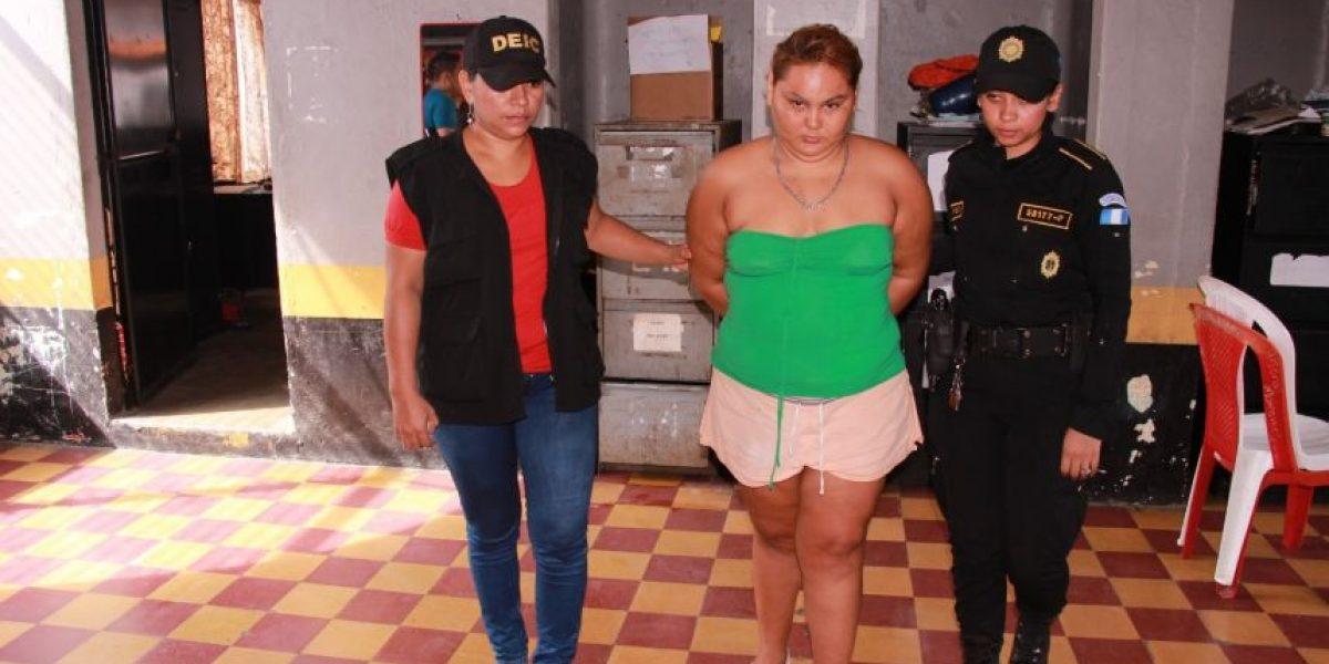 Capturada mujer que maltrató a niño en Escuintla