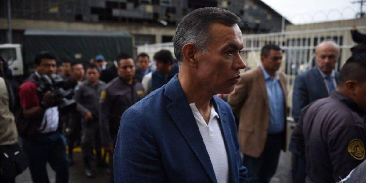 Viralizan fotos donde supuestamente Juan de Dios Rodríguez pasea por comercial