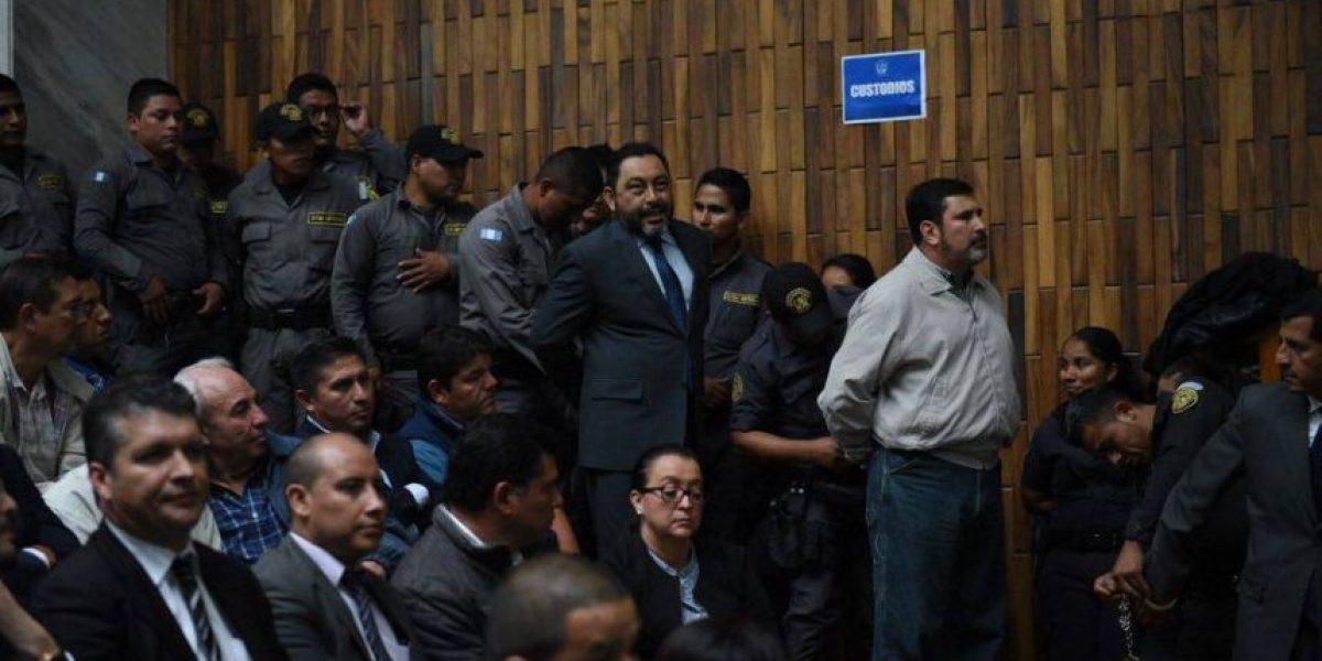 Presencia de exministros capturados por #LaCooperacha causa polémica en audiencia #CooptacionEstadoGT