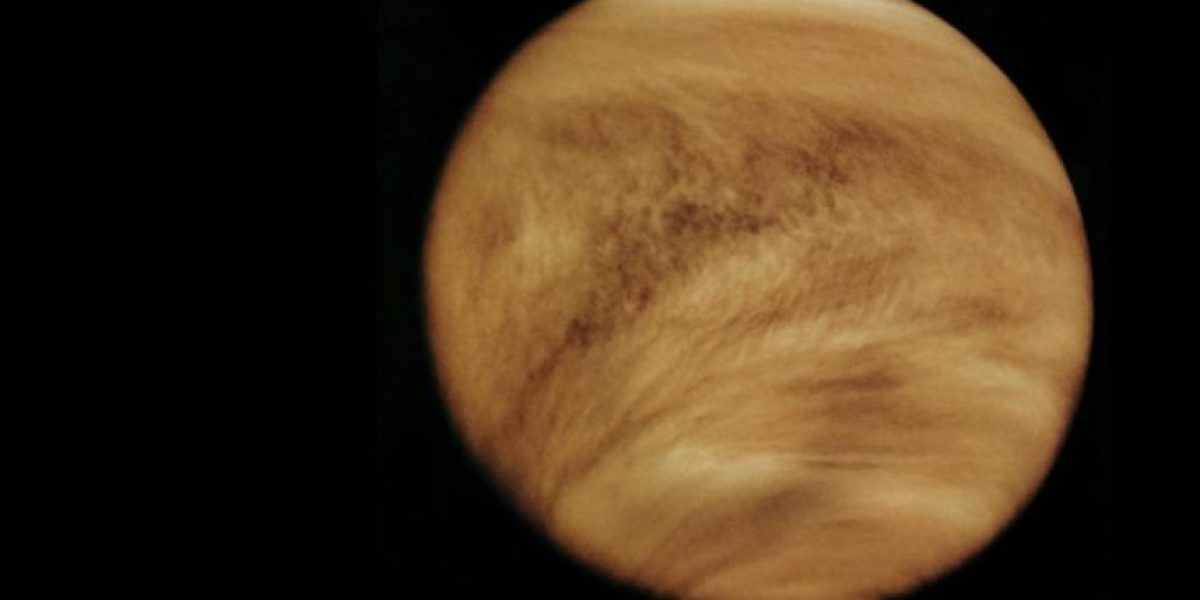 Revelan foto de misteriosas nubes en Venus