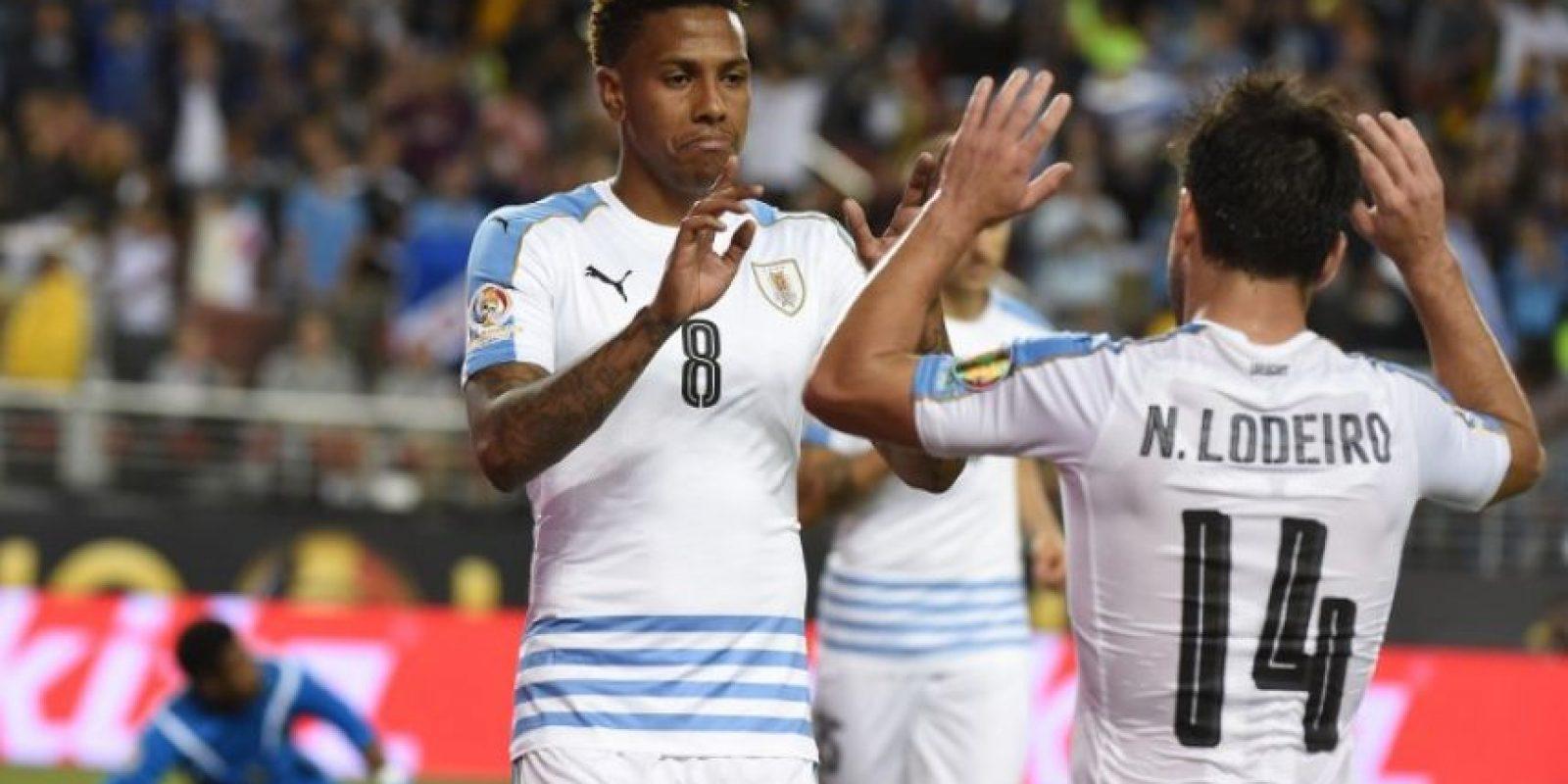 En un partido de trámite, los charrúas se quedaron cortos con la goleada contra Jamaica. Foto:AFP