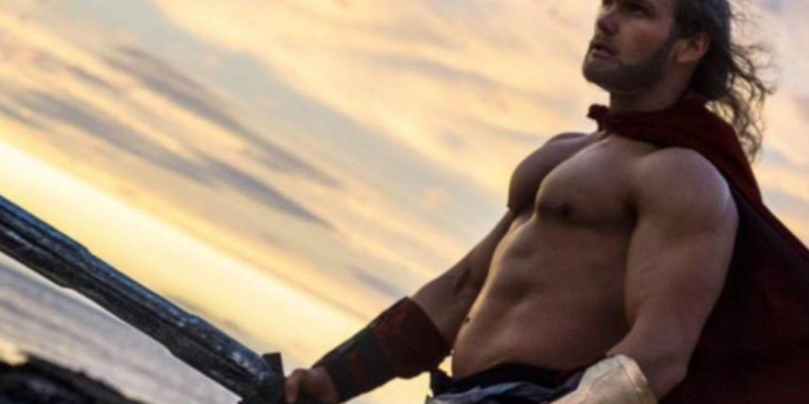 Famoso por interpretar al personaje de su paisano Chris Hemsworth Foto:vía Facebook