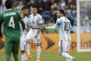 La albiceleste pasó primera en su grupo con tres victorias en el mismo número de partidos. Foto:AFP