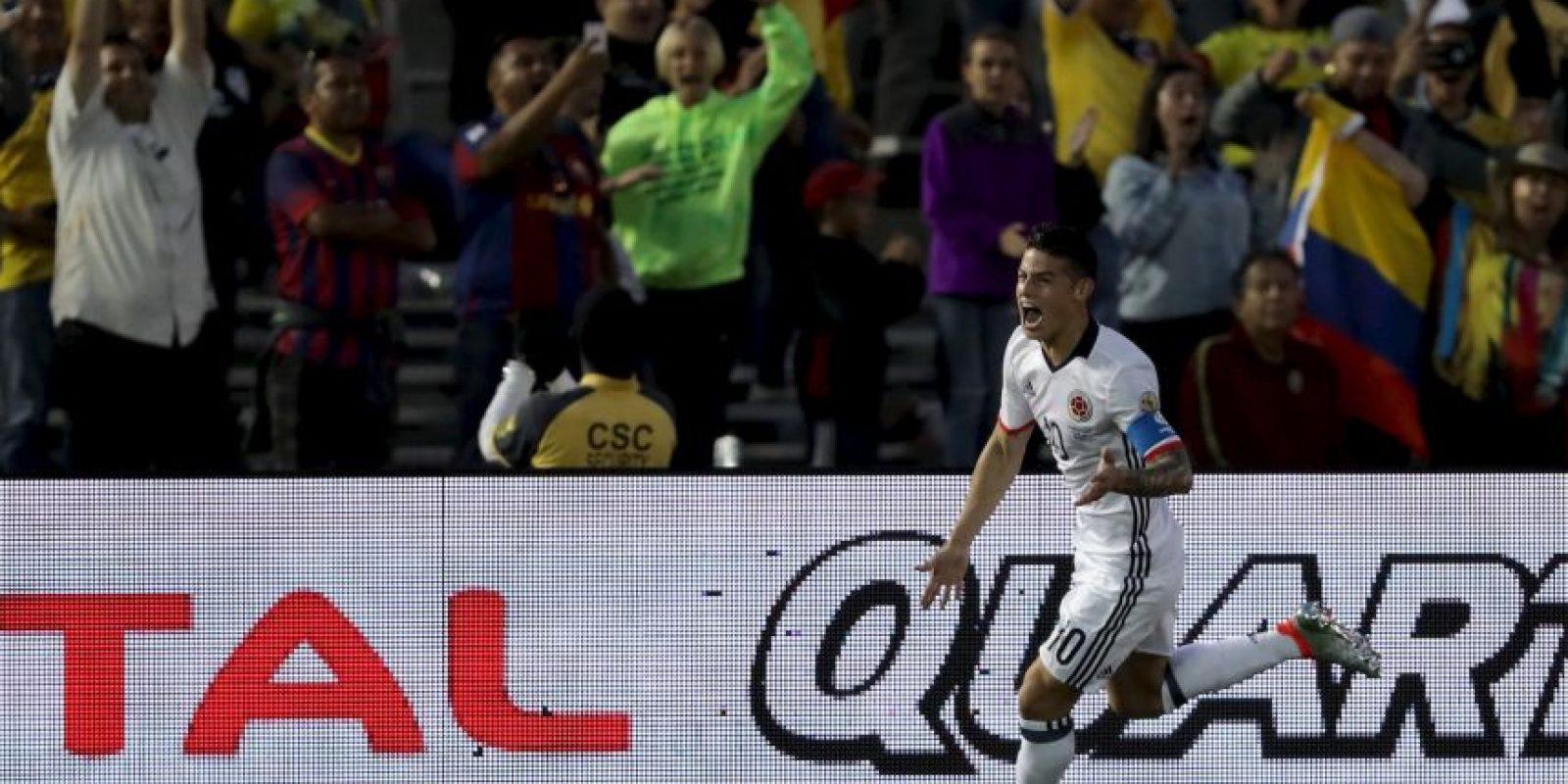 Colombia parecía destinado a ganar el Grupo A, pero cayó en la última fecha con Costa Rica y terminó segundo, por lo que enfrentarán a los peruanos Foto:Getty Images