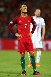 Cristiano Ronaldo no pudo evitar que Portugal empatara 1-1 con Islandia Foto:Getty Images
