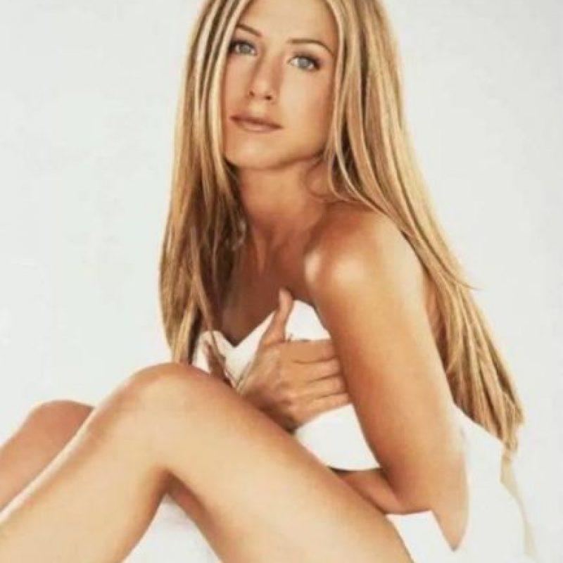 """Jennifer dijo sentirse """"muy halagada"""" por el premio y aseguró que su belleza la debe a una vida sana. Foto:Vía Instagram/@Instagram/@jenniferjanistonfanpage"""
