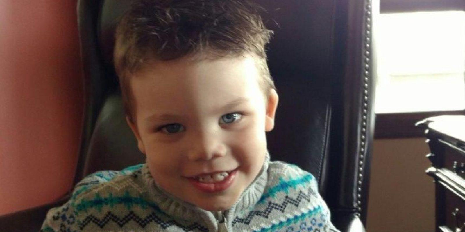 Las autoridades dieron a conocer una foto de Lane Graves, niño de dos años que murió al ser arrastrado por un caimán Foto:Twitter.com/OrangeCoSheriff