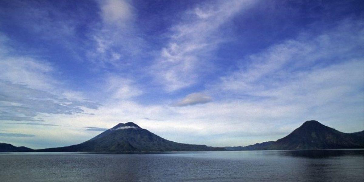 VIDEO. Usuario denuncia contaminación en el Lago de Atitlán