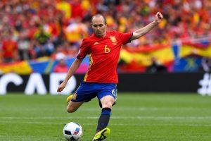Pese a ser la gran figura de la victoria de España ante Eslovaquia y despacharse una asistencia perfecta para que Piqué marcara, el español no fue elegido por la UEFA Foto:Getty Images
