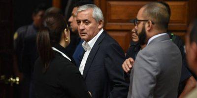 Fiscalía acusa a Pérez y a Baldetti por cuatro delitos