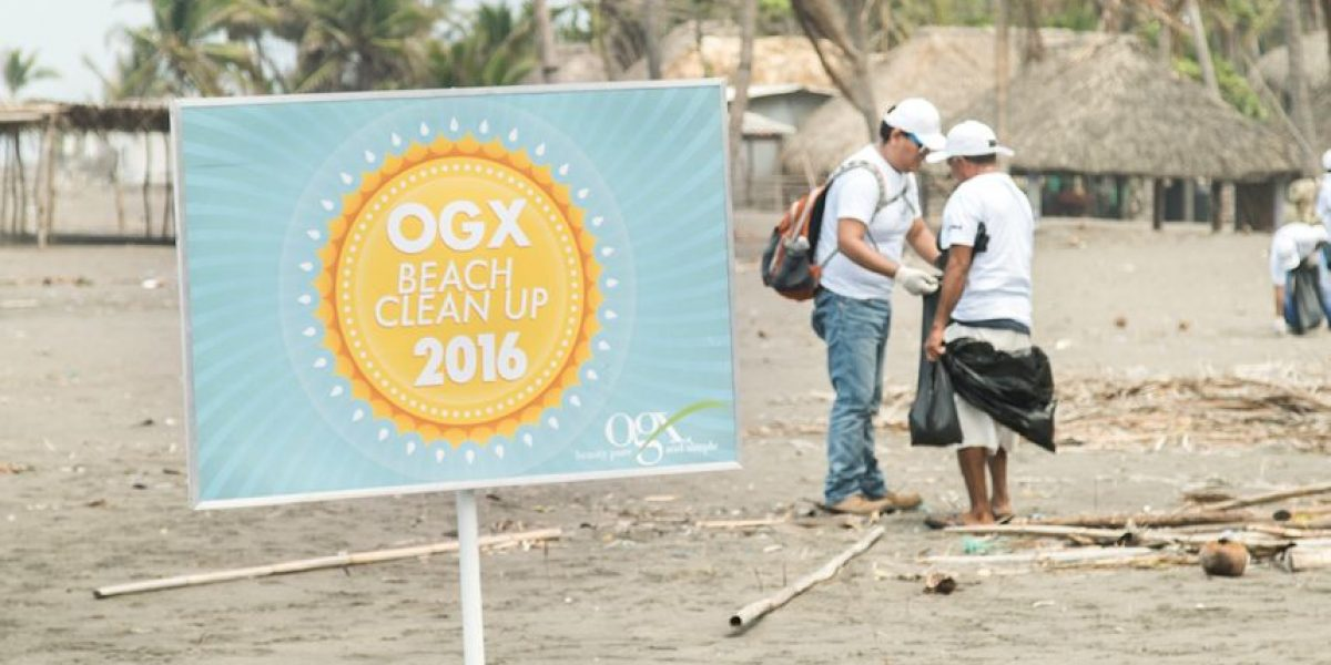 Recogen casi media tonelada de basura en la playa La Barrona, en Guatemala
