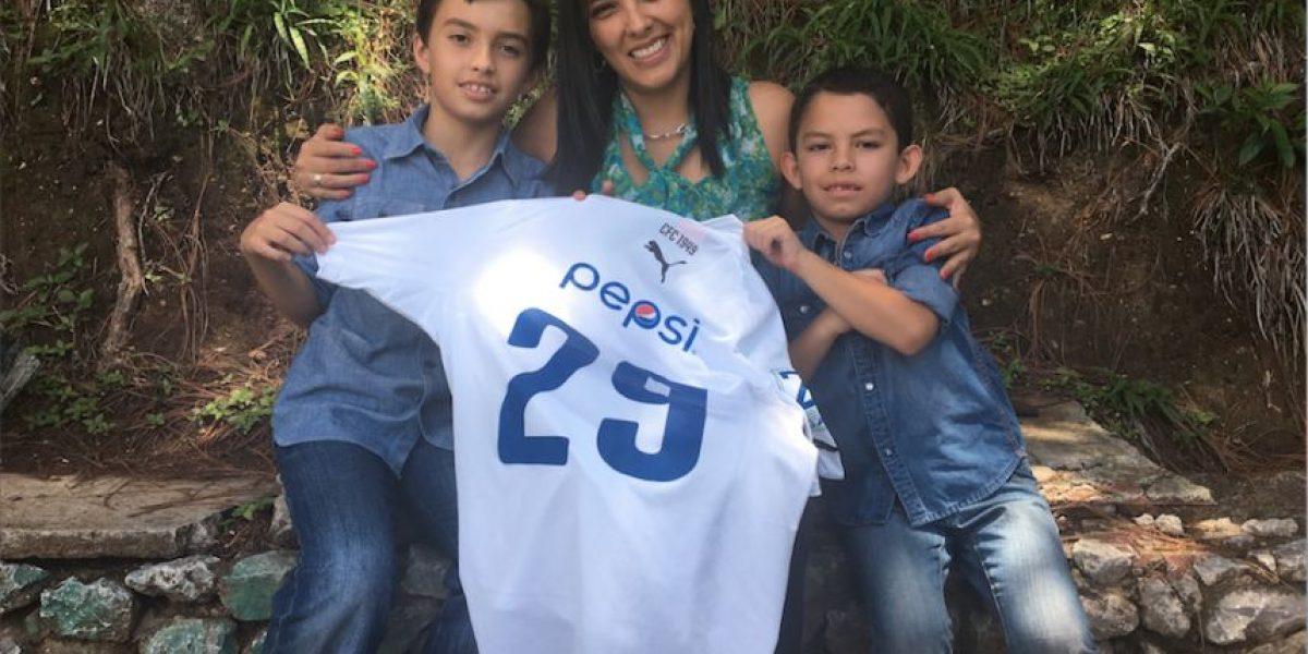 Esposa de Carlos Figueroa le dedica inigualable mensaje en su retiro