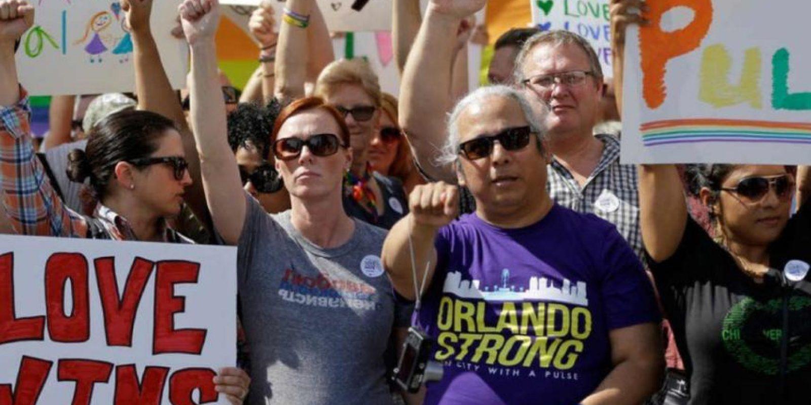La comunidad no dejó de apoyar a la comunidad LGBTI. Foto:AP