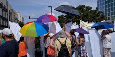 Fueron más los que apoyaron que los manifestantes anti-gay. Foto:AP