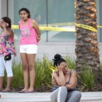 Muchos familiares de las asistentes no tuvieron noticia alguna incluso horas después del ataque. Foto:Getty Images