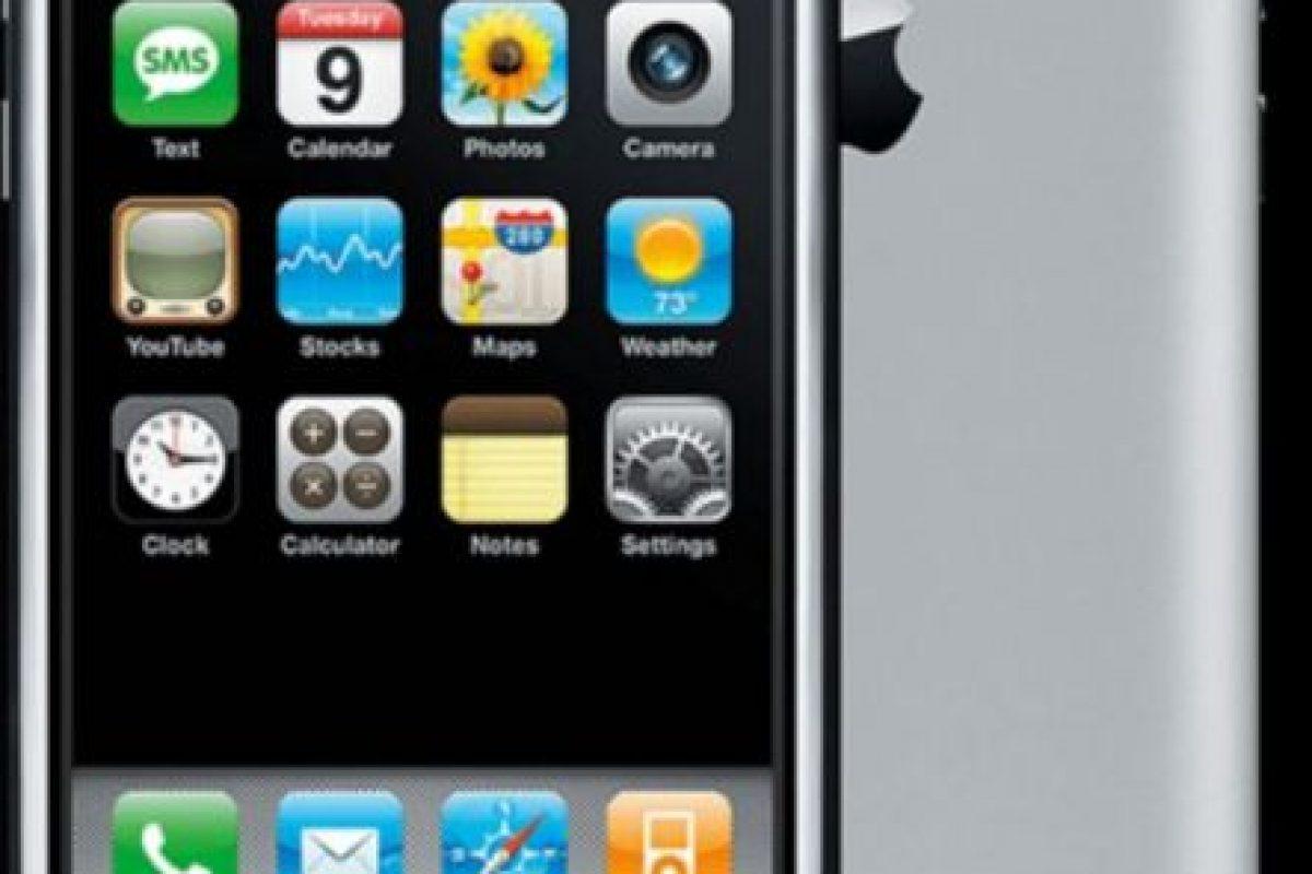 """iPhone """"a secas"""", el primero de la familia. Foto:Apple"""