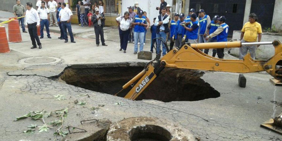 Fotos. Hundimiento dificulta la circulación en el asentamiento Alioto López en Villa Nueva
