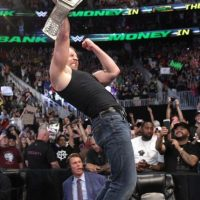 Pero fue derrotado por Dean Ambrose, solo nueve segundos después Foto:WWE