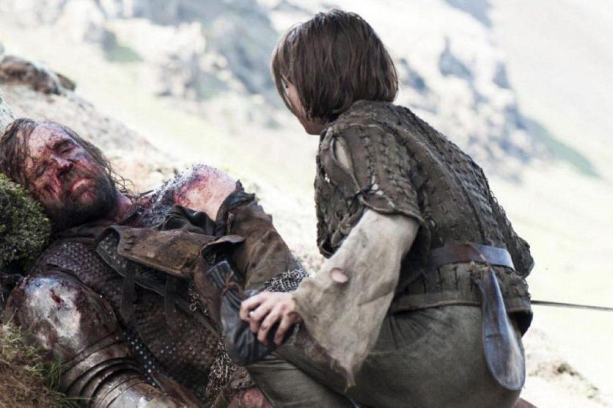 """""""El Perro"""" fue dejado a su suerte por Arya, luego de perder contra Brienne. Como se vio esta temporada, se recuperó. Foto:vía HBO"""