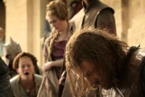 """Ned Stark fue decapitado en la primera temporada. Era el """"héroe"""" de la serie. Foto:vía HBO"""