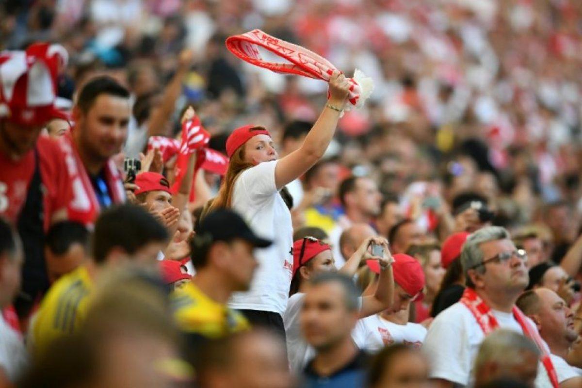 Los polacos se aseguraron un puesto entre las 16 mejores selecciones de la Euro 2016. Foto:AFP