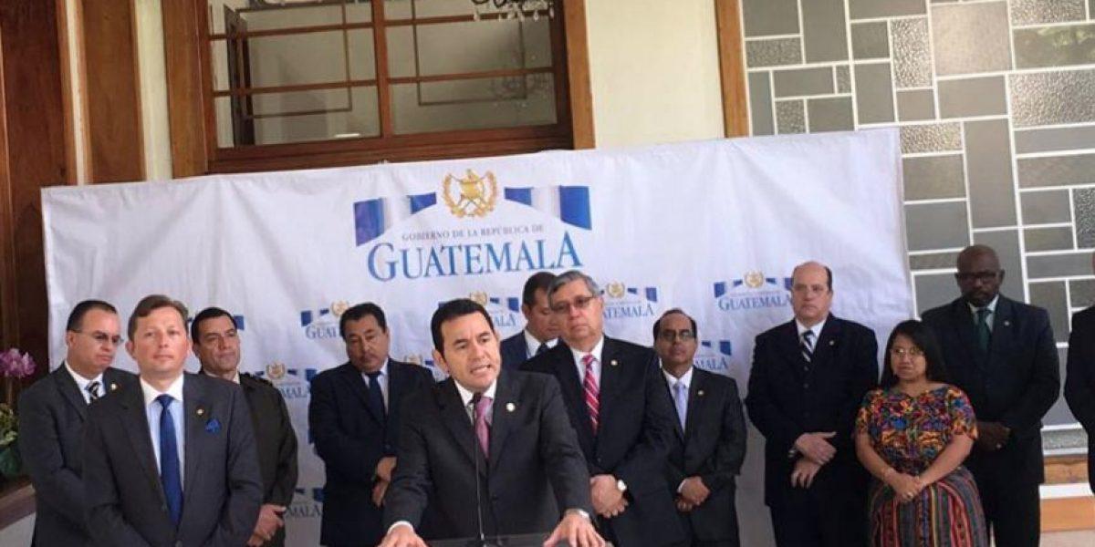 Jimmy Morales expresa apoyo a la Fiscal General