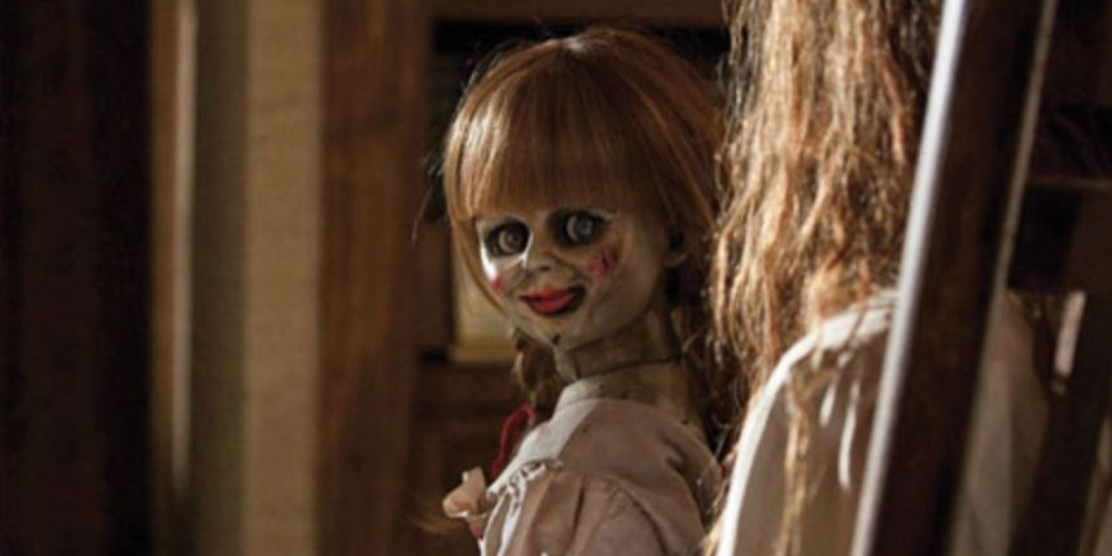 Annabelle: la muñeca estaba poseída por una supuesta niña llamada Annabelle Higgins, pero era una presencia más maligna. Foto:vía Warner Brothers