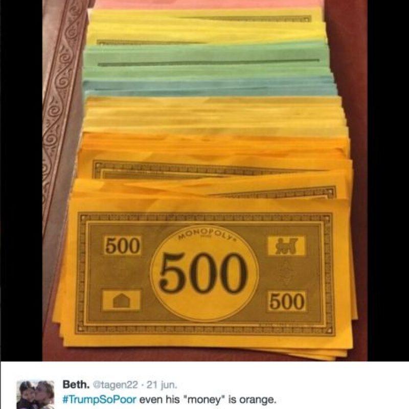 """""""Es tan pobre que incluso su dinero es naranja"""" Foto:Twitter.com"""