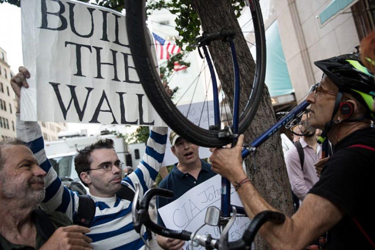 De acuerdo a CNN/ORC, Clinton supera entre 5 y 7 puntos porcentuales al precandidato republicano Foto:Getty Images