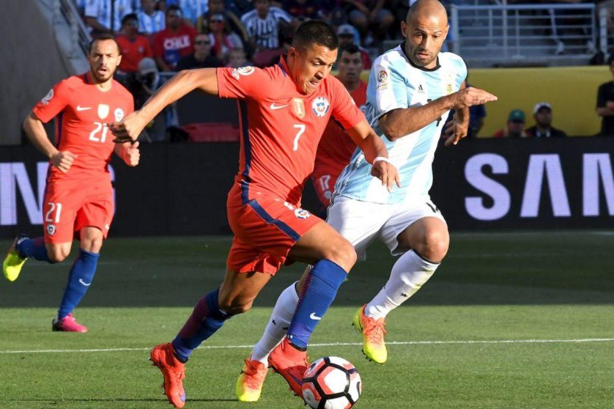 Sin embargo, Chile querrá repetir la final de la Copa América 2015, donde venció a Argentina en la definición a penales Foto:Getty Images