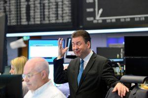 Las bolsas mundiales cayeron tras la victoria de los euroescépticos Foto:Getty Images