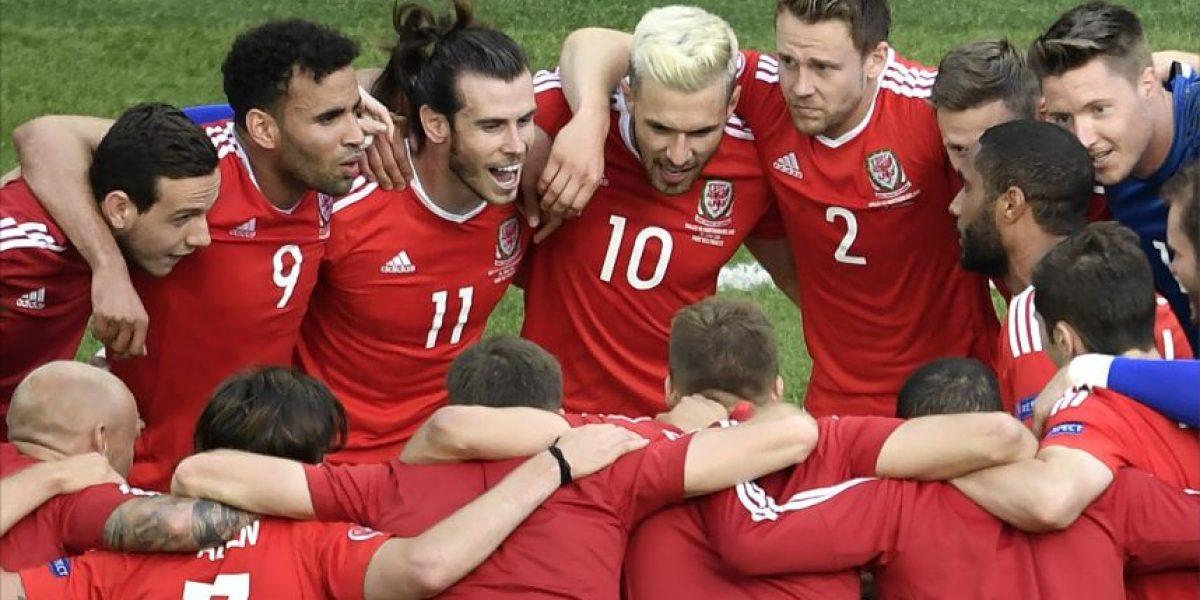 Gales avanza a cuartos a costillas de un autogol de Irlanda