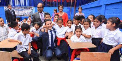 Jimmy Morales saluda a los maestros con emotivo mensaje