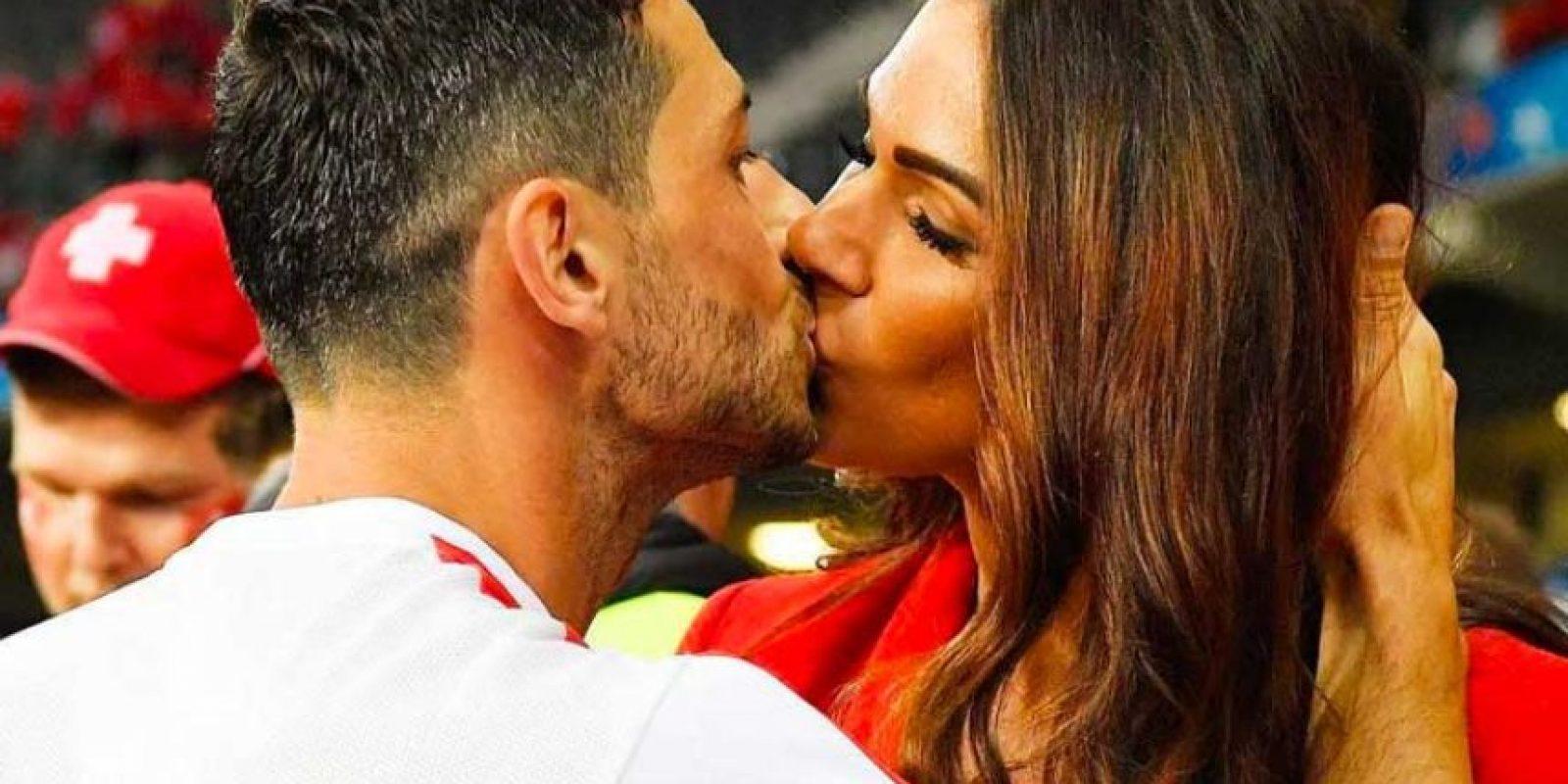 Es la esposa del futbolista suizo Blerim Dzemaili. Foto:Vía instagram.com/erjona.dzemaili