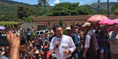 """Presidente Jimmy Morales pide """"paciencia"""" y visita zona en alto riesgo en Jutiapa"""