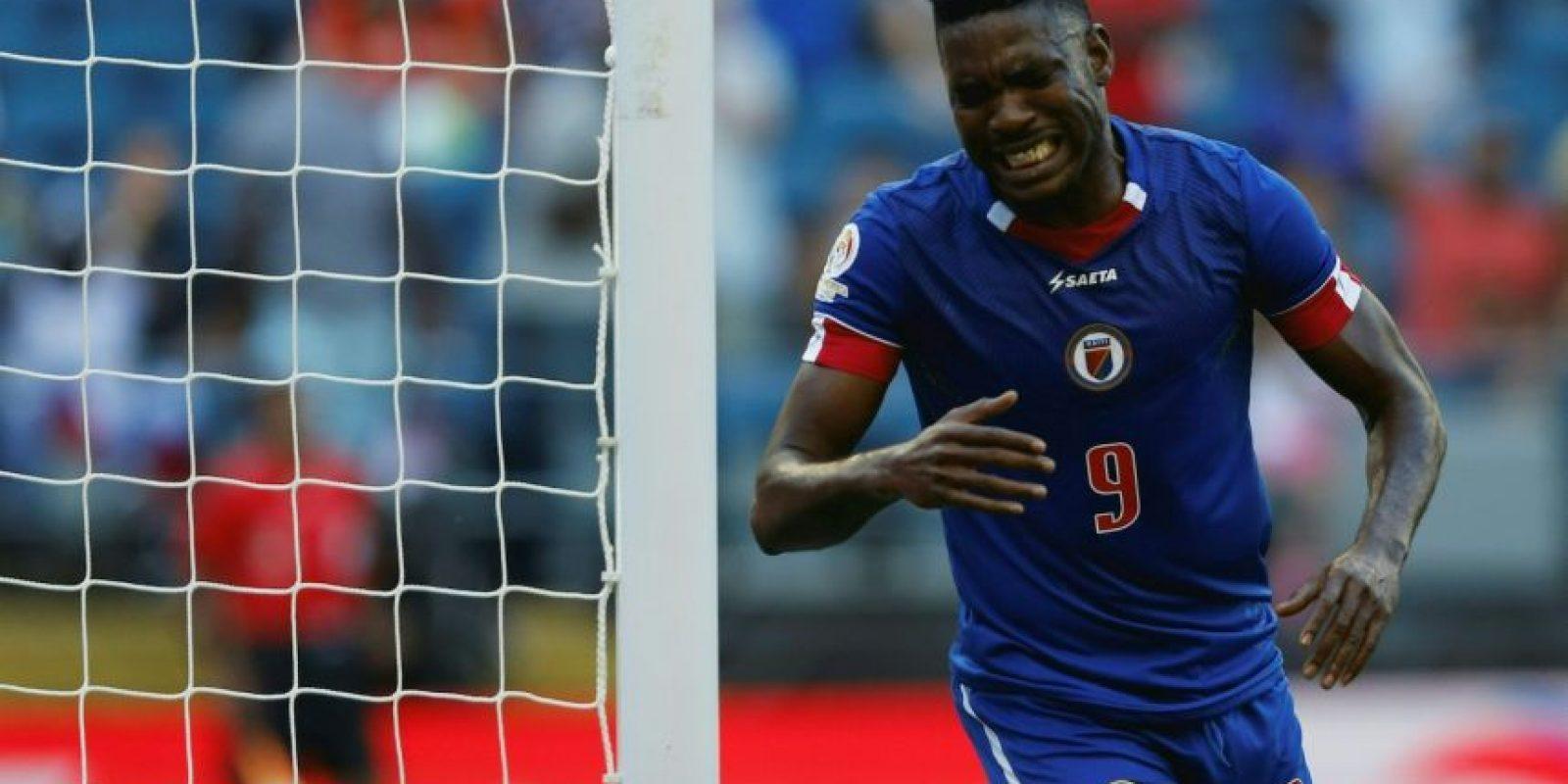 El llanto del delantero haitiano Foto:AFP