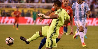 La selección de Chile se quedó con el cetro al haberle ganado otra vez en los penaltis la final a Argentina. Foto:AFP