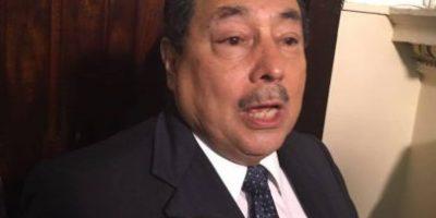 """Suspenden interpelación a ministro de Salud, pero firman un convenio y lo """"condicionan"""""""