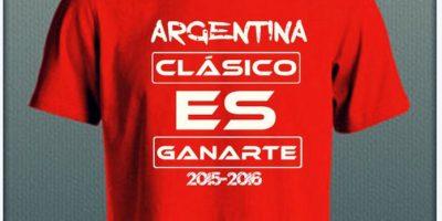 Por eso, una marca de ropa propuso una propuesta para crear una polera y recordar los títulos de la Copa América 2015 y 2016 Foto:@Cac1k3e